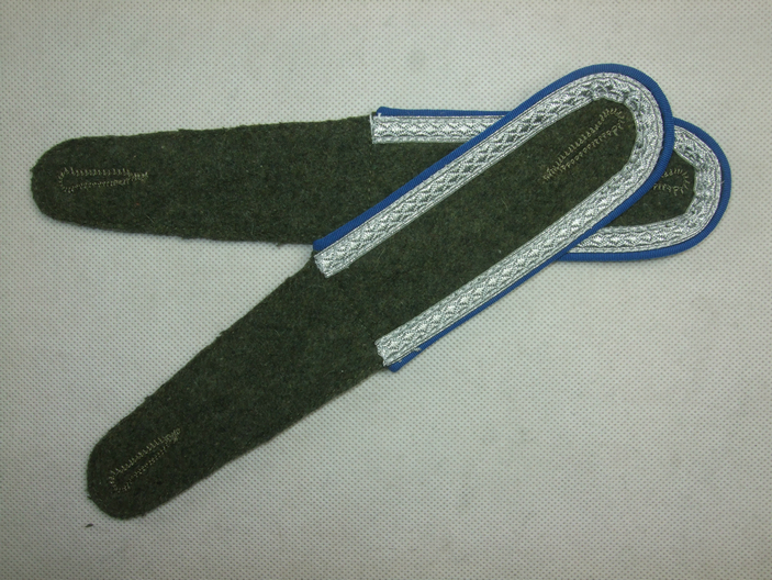WW2 German Shoulder Fieldgrey Board With Blue Pipe NCO Corporal