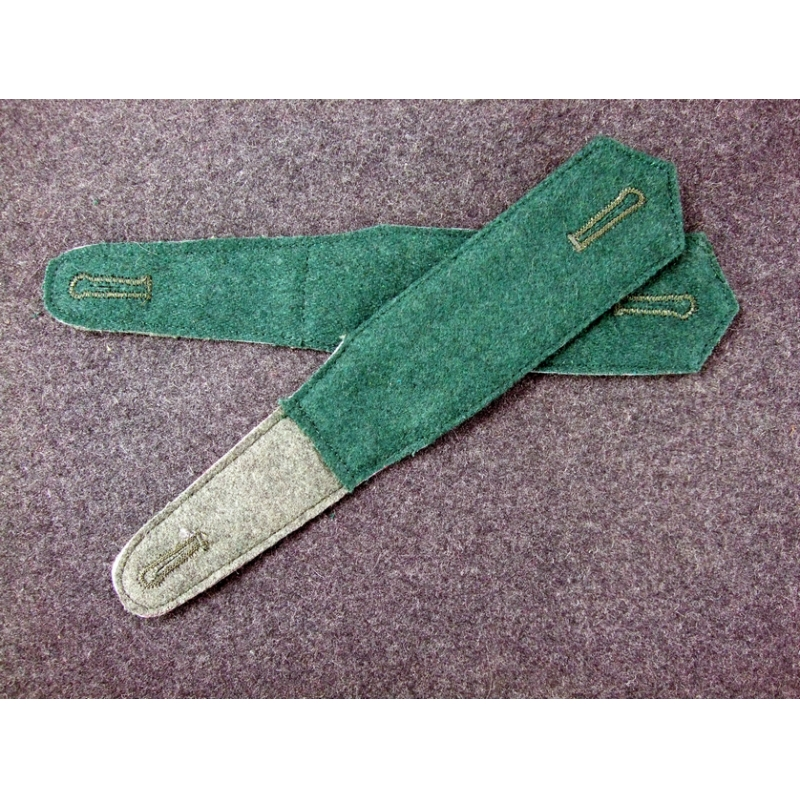 WW2 German Pre-War Early Shoulder Boards Plain Dark Green Pair